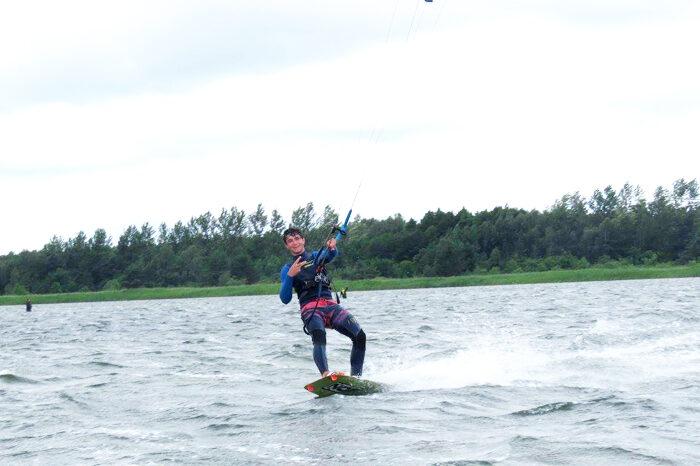 kitesurfing na helu