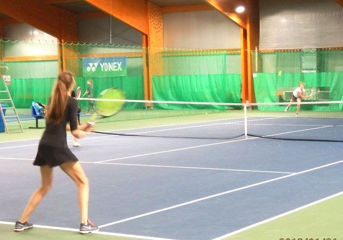 zawodnicy tenis korty