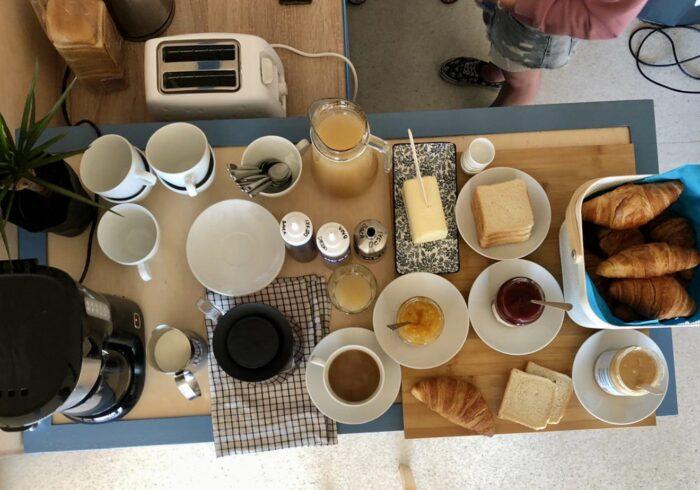 francuskie sniadanie na solarze